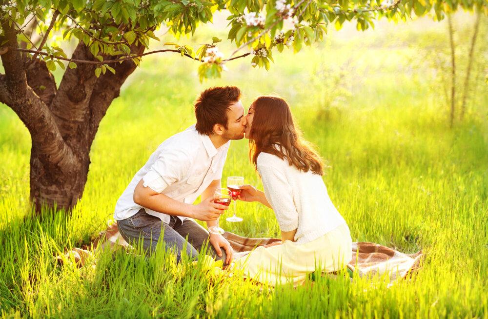 Need on 3 asja, mida sa ei tohi teha, kui soovid, et sinu suhe kestaks