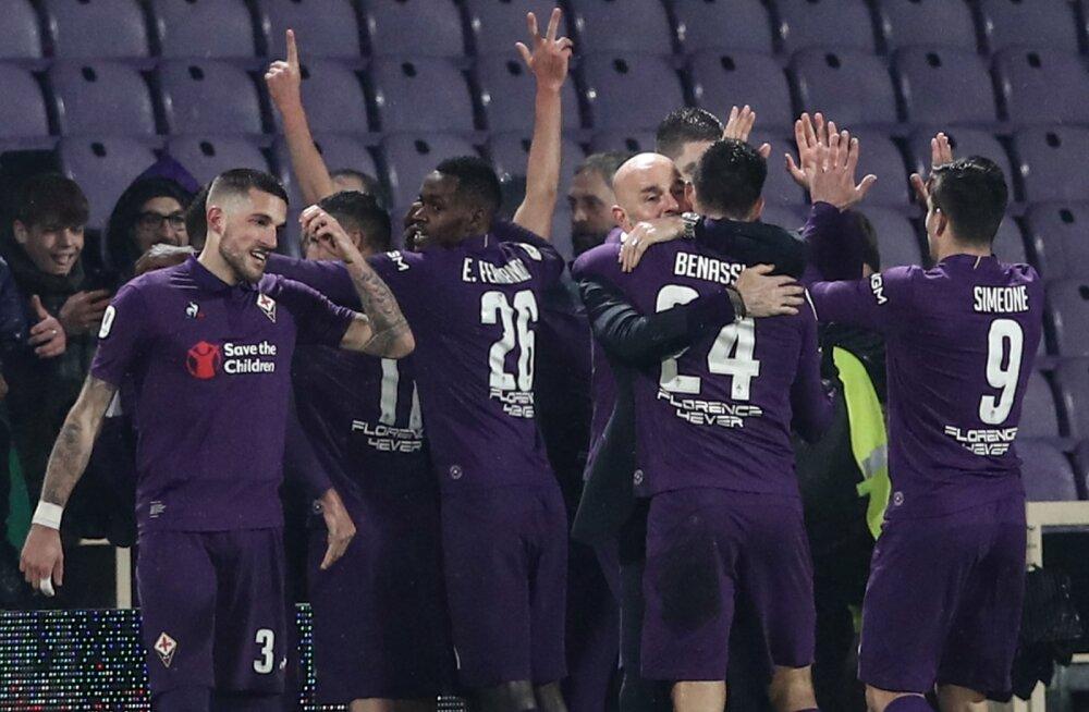 Fiorentina mängijad juubeldavad