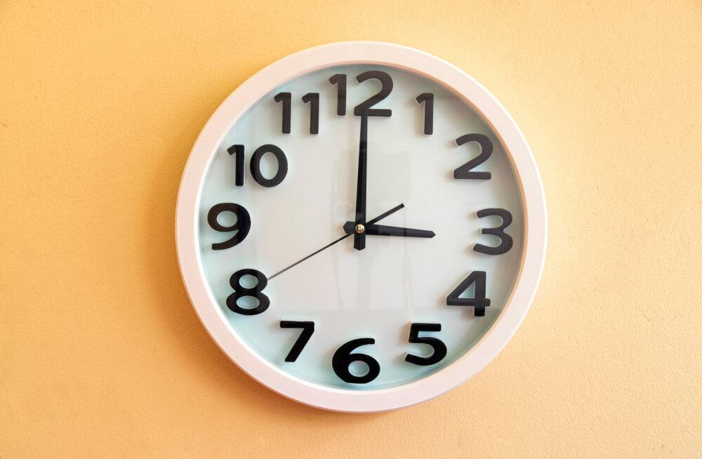 Toitumisnõustaja avaldab 5 põhjust, miks sa iga päev just kella kolme paiku hullu väsimust tunned