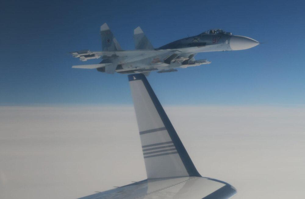 Vene hävitaja tükkis Rootsi sõjalennukile Läänemere kohal tiiva alla