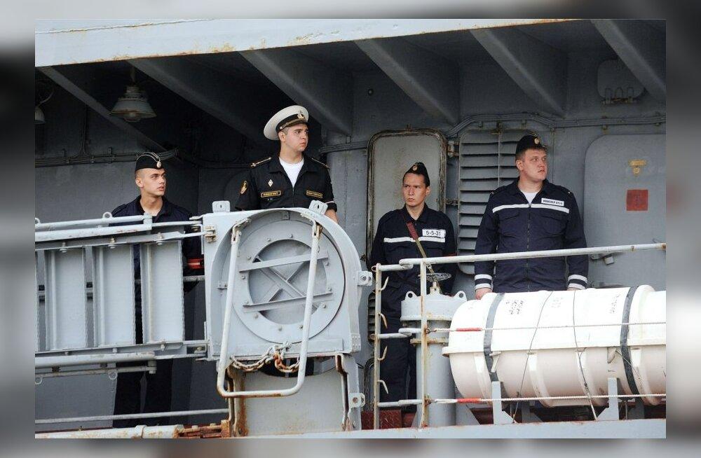 Vene mereväelased saabuvad Mistraliga tutvuma