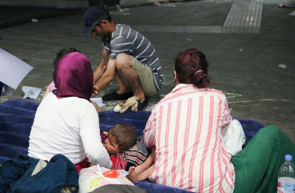Ungari. Budapest. Rongijaam on täis migrante
