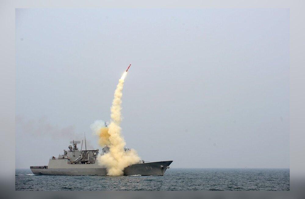 Американцы подняли со дна океана обломки ракеты КНДР