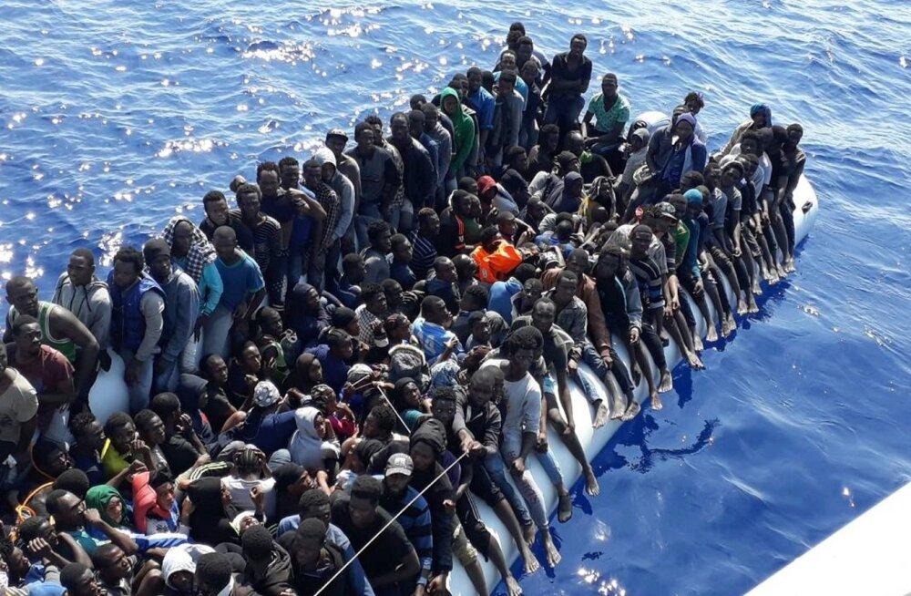 Liibüa ranniku lähedal läks ümber migrantide alus, sada inimest arvatakse olevat hukkunud