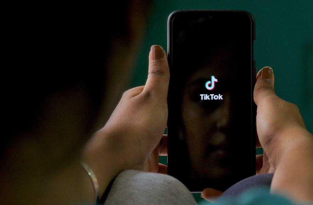 TikToki edulugu läbi? Videoäppi tabas ootamatu hoop Indiast
