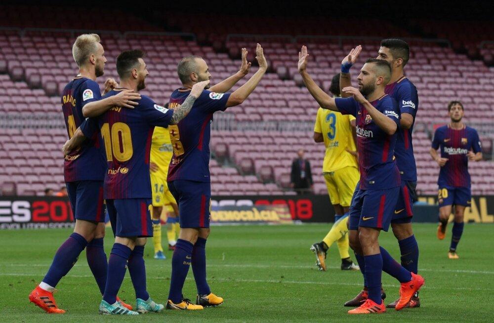FC Barcelona mängumehed Las Palmase vastu löödud väravat tähistamas.