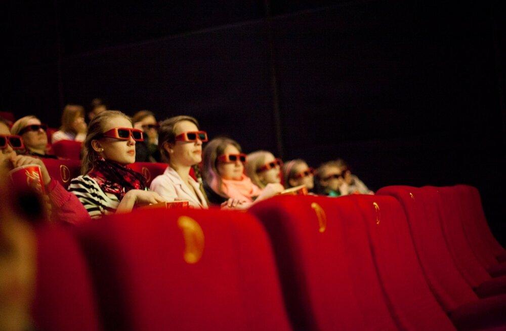 """""""Kaunitar ja koletis"""" esilinastust saatis esimestest minutitest kuni filmi lõpuni äparduste jada"""