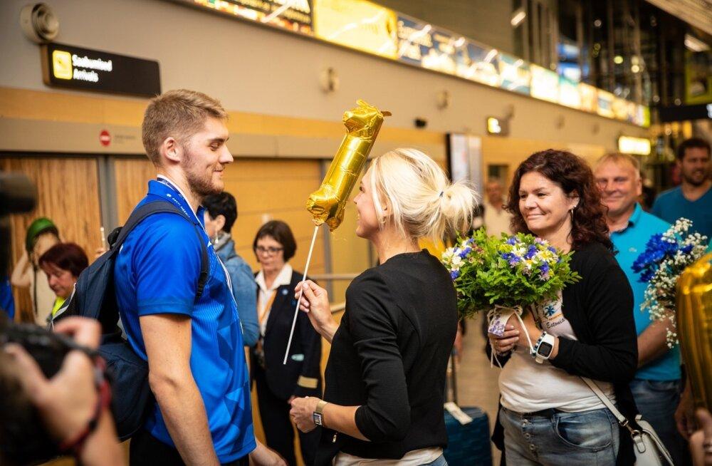 Võrkpalli koondise saabumine Tallinnasse