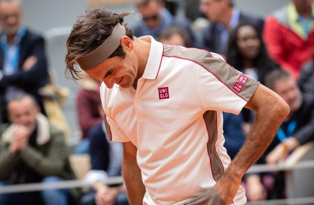 Federer karmidest tuuleoludest: üritasin lihtsalt pallile pihta saada ja mitte naerualuseks jääda