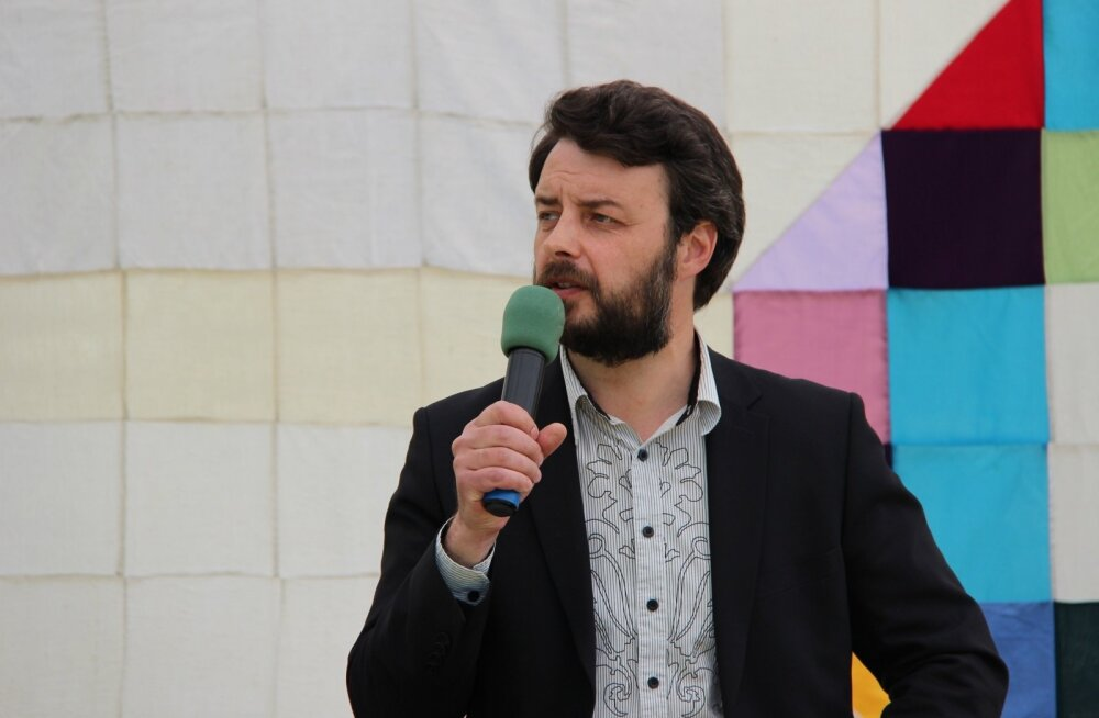 Рогальский вышел из IRL: партия так и не повернулась лицом к русским избирателям