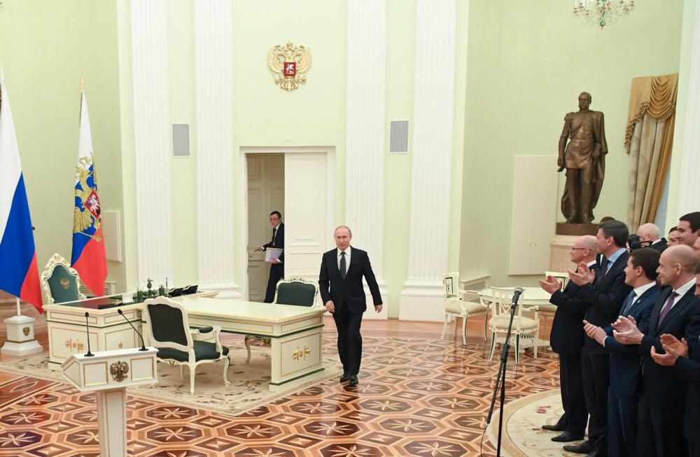 Kremli teatel arutatakse Putini ja Kaljulaidi kohtumisel kahepoolseid suhteid ning stabiilsuse ja julgeoleku toetamist regioonis