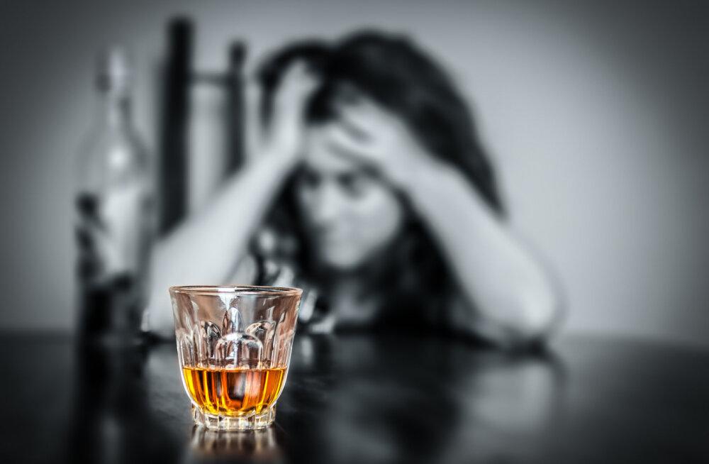 Alkohol ja pere: vaikiv pereliige, mis hävitab suhteid ja elusid