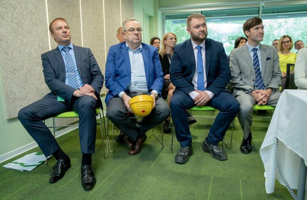 Väino Kaldoja (keskel kollase kiivriga) on ka Eesti Energia nõukogu esimees.