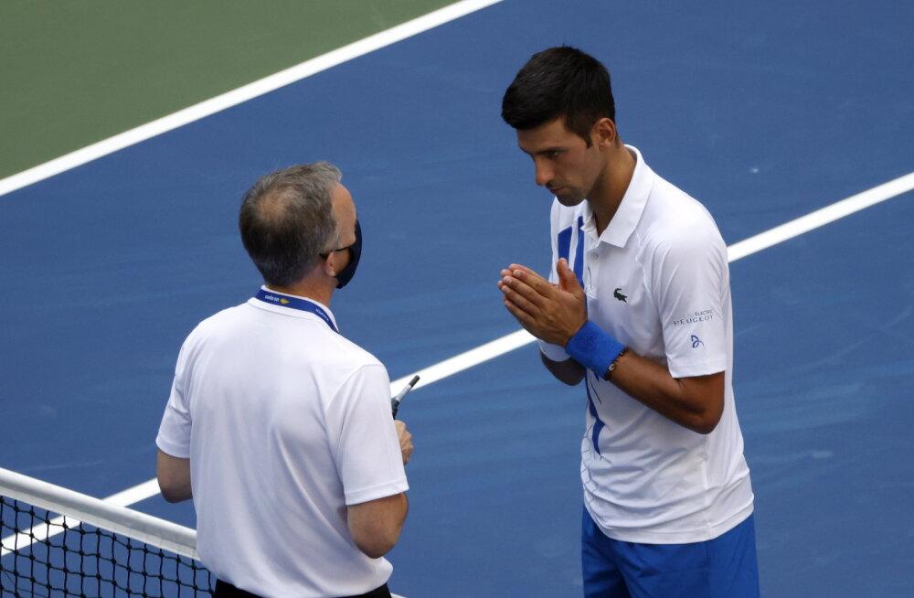 Djokovic vabandas: pean selle olukorra pöörama õppetunniks