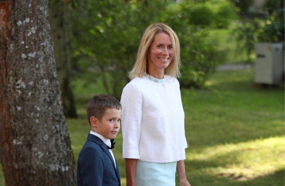 KLÕPS | Tubli laps jõuab palju: Kaja Kallase pojal on täna juba teine esimene koolipäev