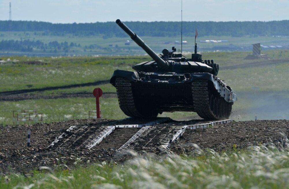 Venemaa toob riigi lääneosasse juurde 10 000 sõdurit