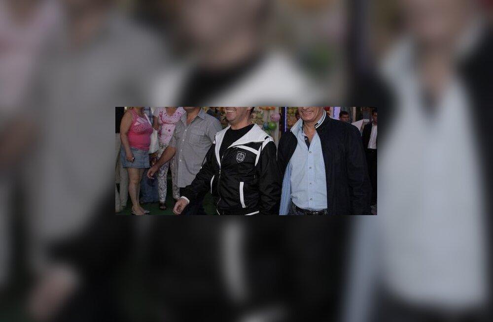 VAATA: Putin-Medvedev veetsid poissmeesteõhtut