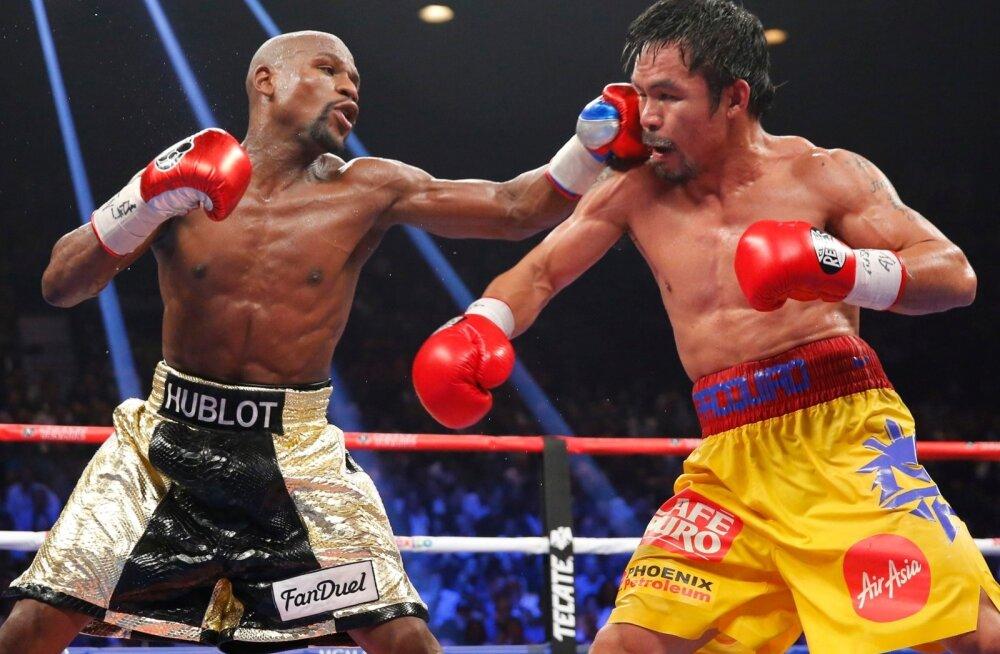 Floyd Mayweather juunior (vasakul) ja Manny Pacquiao 2015. aasta suures duellis.