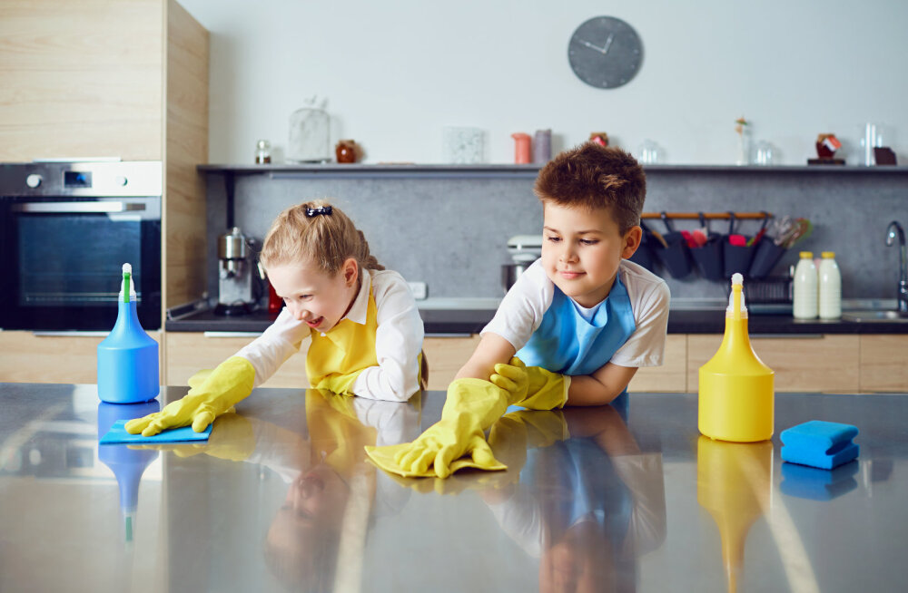 Avaldame kodutööd igas vanuses lastele, sest koristamine ei pea olema ainult vanemate pärusmaa