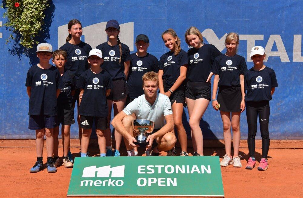 Zopp võitis Pärnus ITF-i üksikmängu tiitli, Ivanov triumfeeris paarismängus