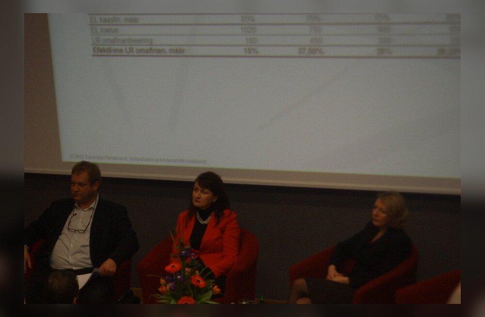 ФОТО читателя Delfi: Эстонские депутаты Европарламента встретились с жителями Нарвы