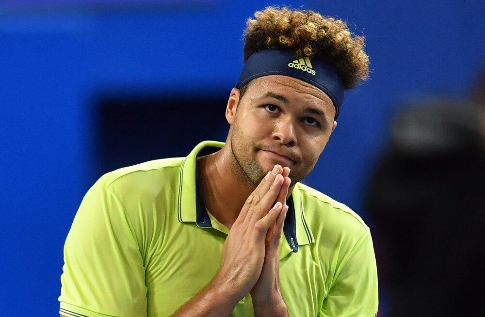 Põlvevigastusega hädas olev Prantsusmaa tipptennisist loobus US Openist