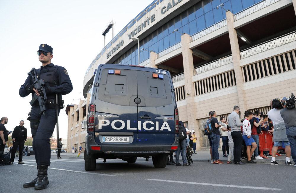 VIDEO: Leicesteri fännid kaklesid Madridi märulipolitseiga