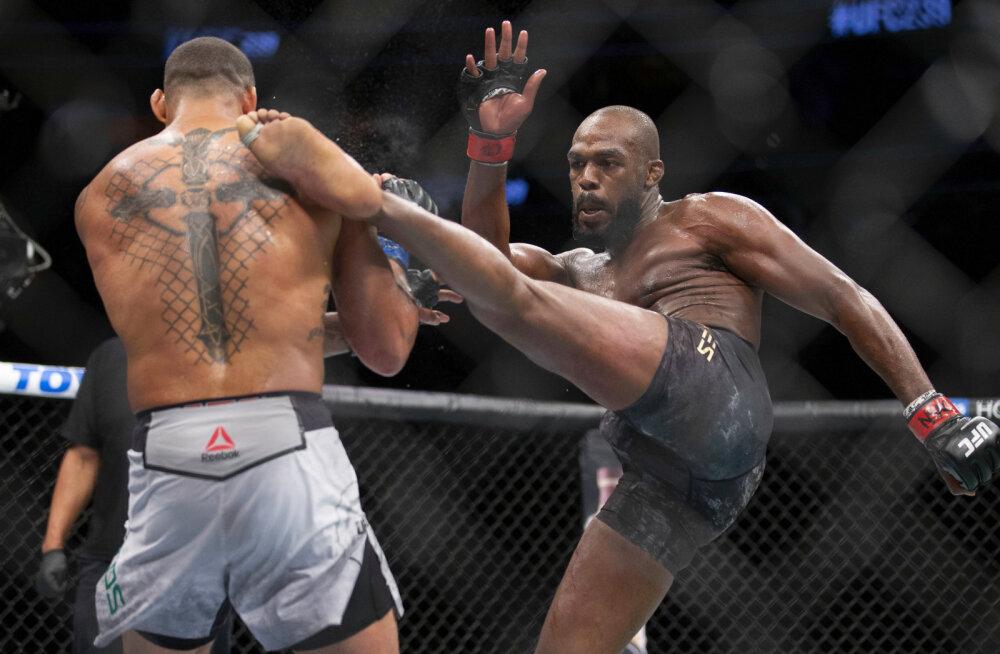 USA politsei arreteeris UFC valitseva tšempioni