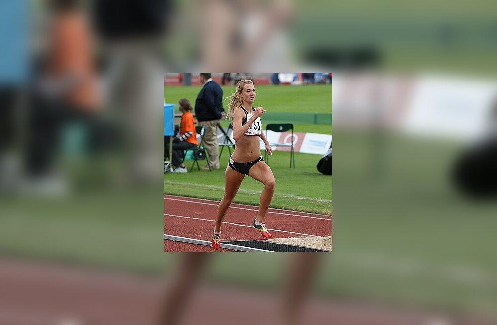 Liina Tšernov naiste 1500 m võitja