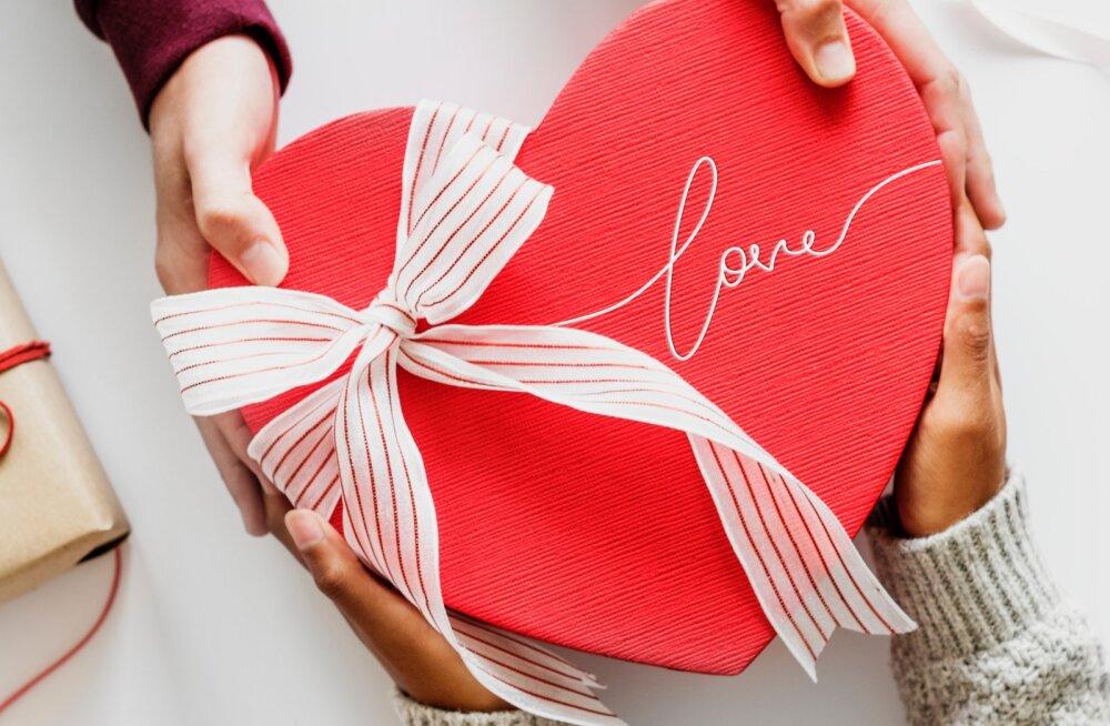 Teejuht meestele: mida kallimale valentinipäevaks kinkida?