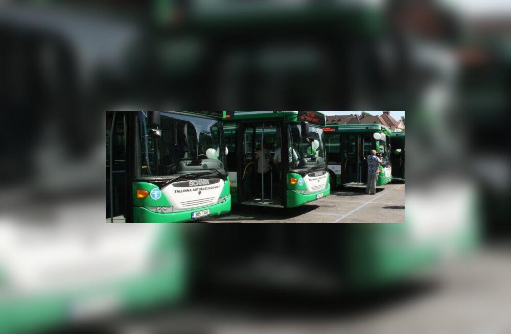 Savisaar jagab tasuta bussipileteid