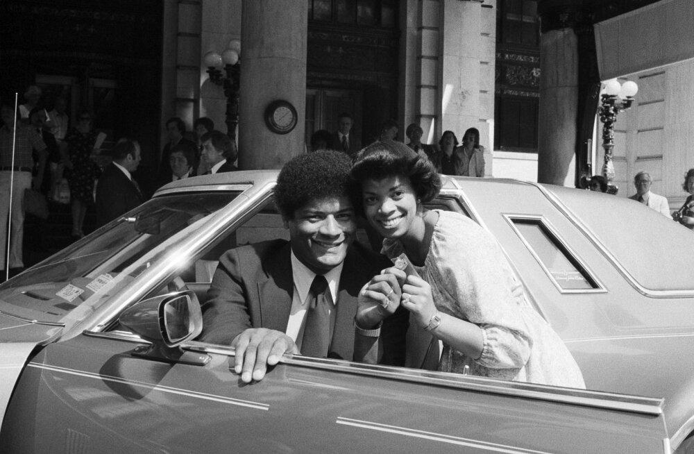 Wes Unseld 1978. aastal koos abikaasaga