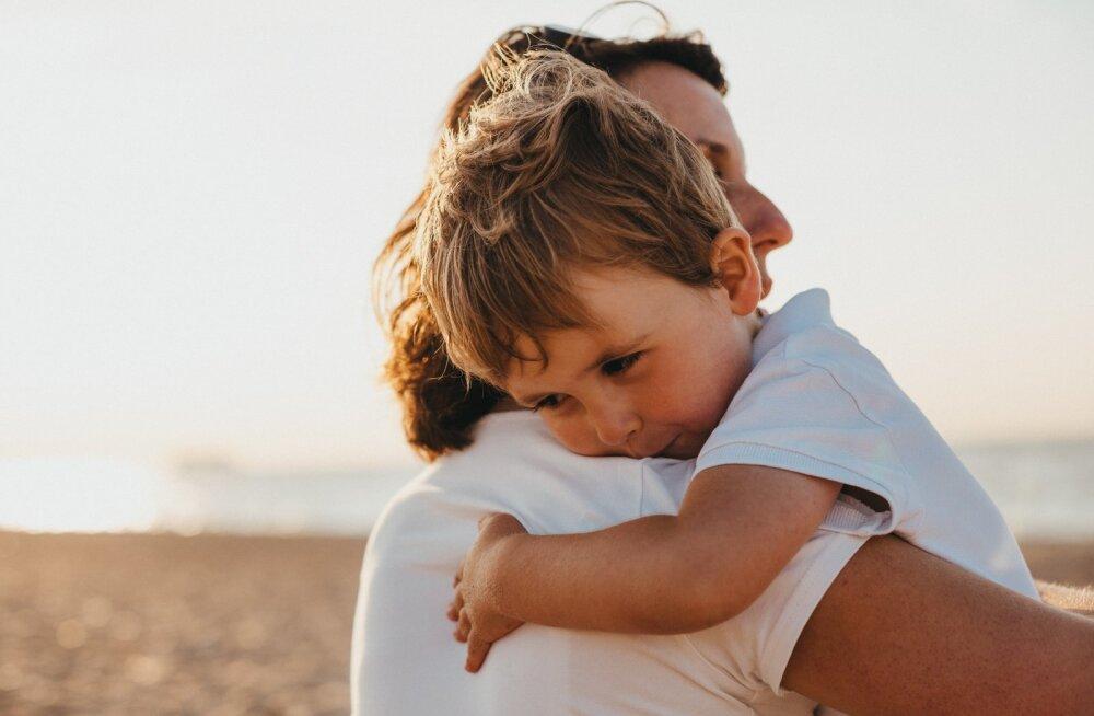 On üks asi, mida väikesed poisid vajavad oma vanematelt tüdrukutest rohkem