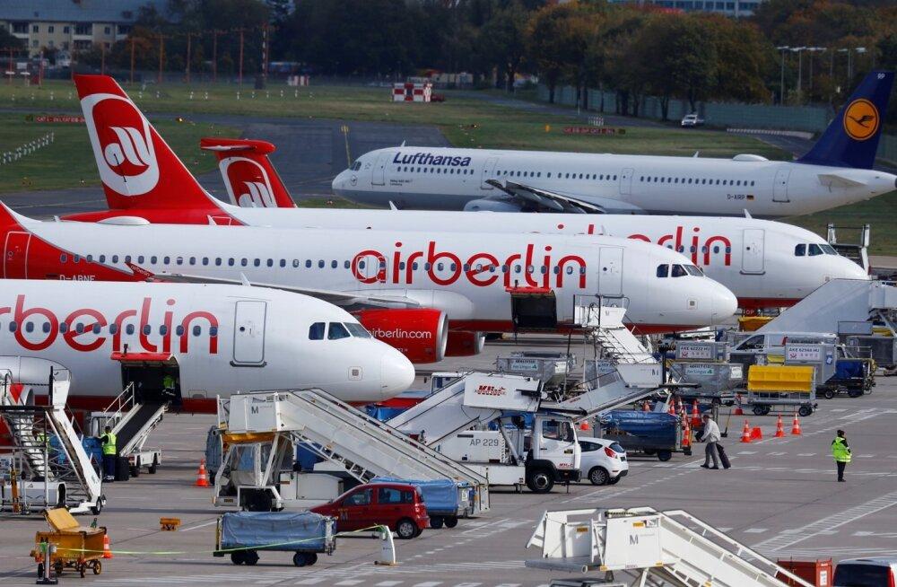 AIR BERLIN-LUFTHANSA/FLYBY