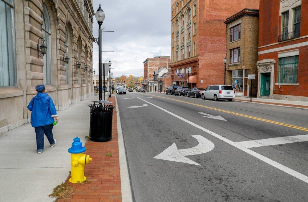 Praegu 60 000 elanikuga Springfield oli umbes 30 aastat tagasi uhke tööstuslinn, kus kümnendik elanikke sai head palka riigi ühest suurimast veoautosid tootvast firmast. Nüüd on olukord muutunud.
