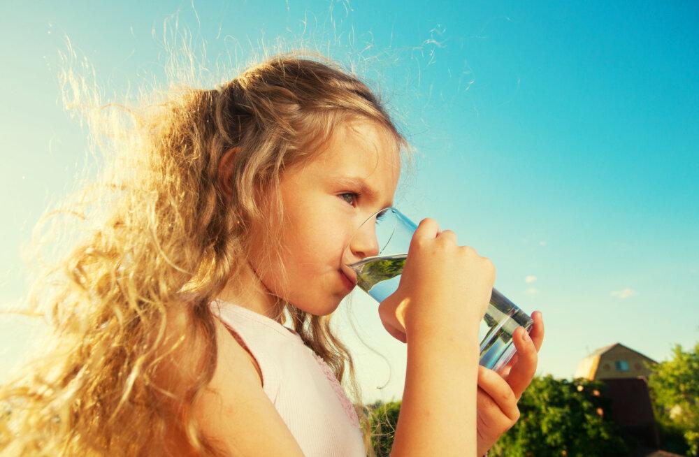 Toitumisekspert: laste veevajadus on täiskasvanute omast kordades suurem