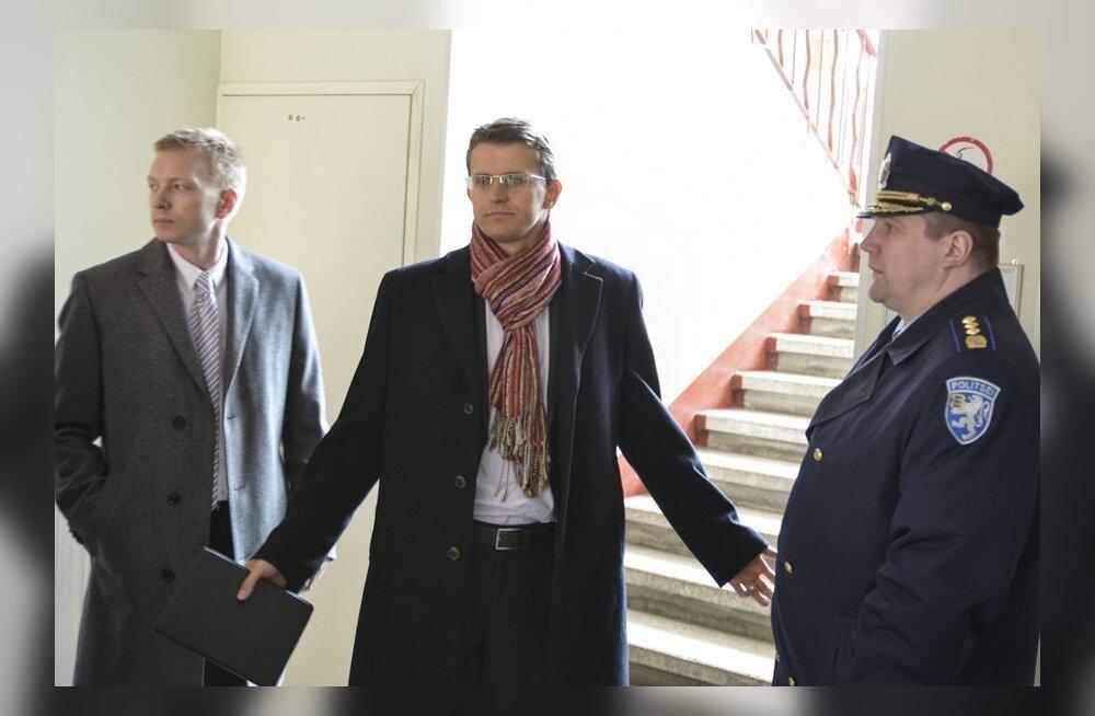DELFI NARVAS: Vaher ja Küüt kohtuvad Varvara tapjat otsivate politseinikega