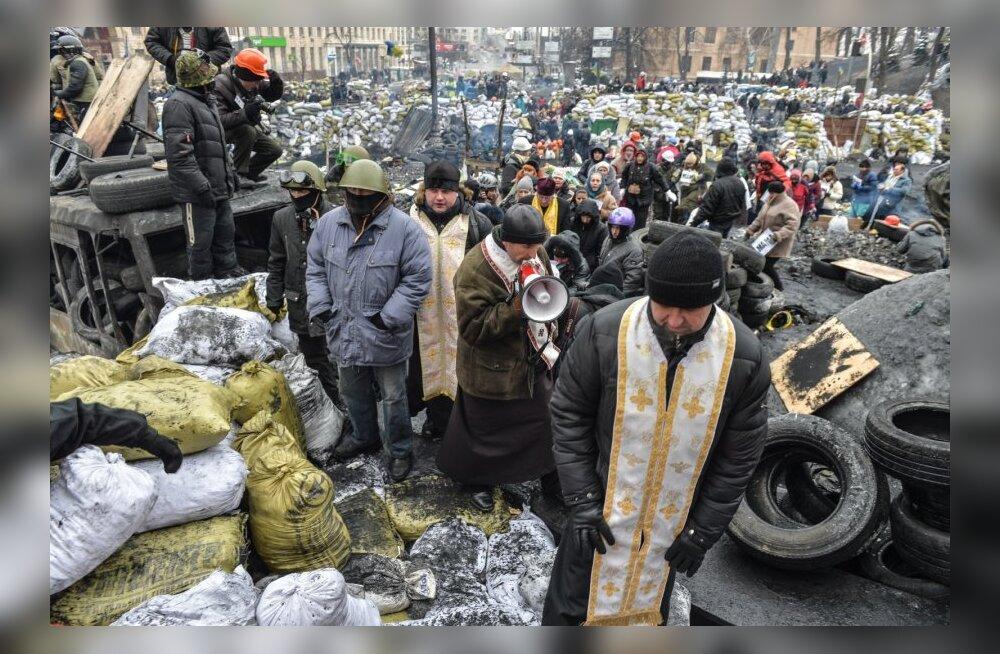 Hommik Kiievi barrikaadidel