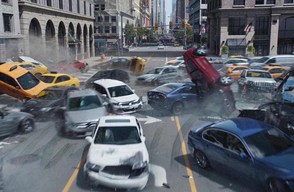 """Liiklusekspert kommenteerib märulifilmi """"Kiired ja vihased"""": kindlasti tekitavad kihutamisfilmid jäljendajaid ka tavaliikluses"""