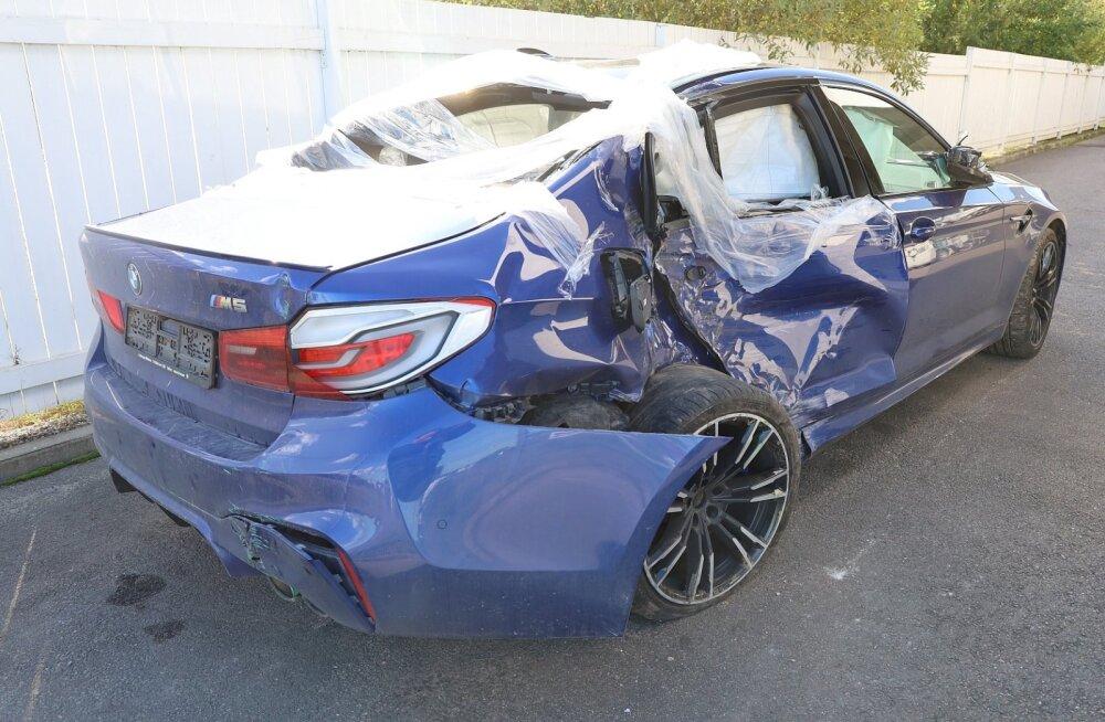 Lõhutud sportautod ja üüratud ravikulud: tuntud kindlustusfirmad hüvitasid mullu üle poolesaja miljoni euro liiklusõnnetuste kahju