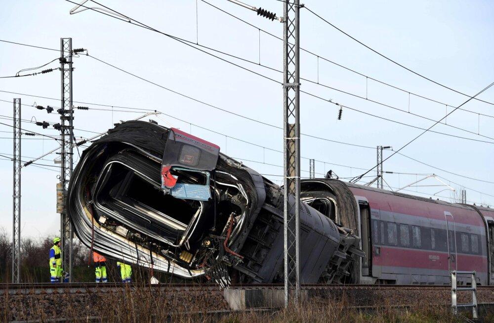 Смертельное крушение поезда в Италии: кто виноват в трагедии?