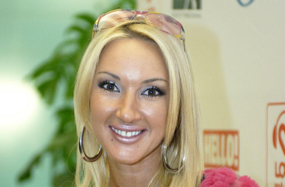 Lõhkenud rinnaimplantaadiga vene telestaari abikaasa reageeris väiksemale büstile üllatuslikult: ma olin väga mures!