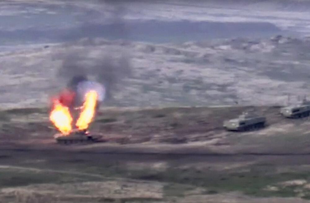 Конфликт в Карабахе: идут танковые бои