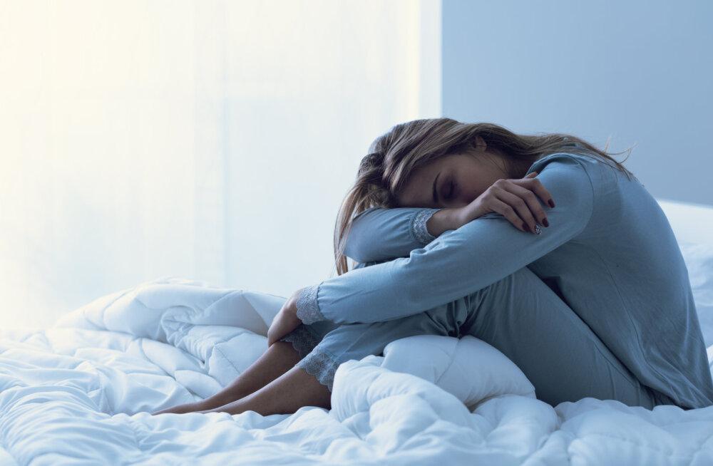 UNEHARJUTUS | Ärkad öösel mitu korda üles? See lihtne nipp aitab uuesti magama jääda