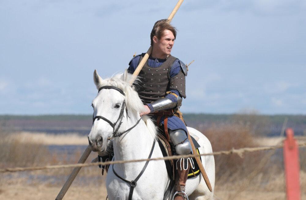 Iga mees, kellega veebis tutvud, ei pruugi olla prints valgel hobusel — kuidas tunda ära petist?