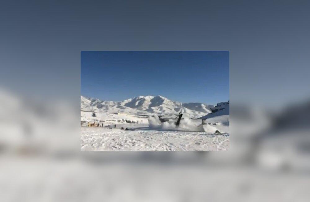 VIDEO: Helikopteri allakukkumine Afganistani mägedes