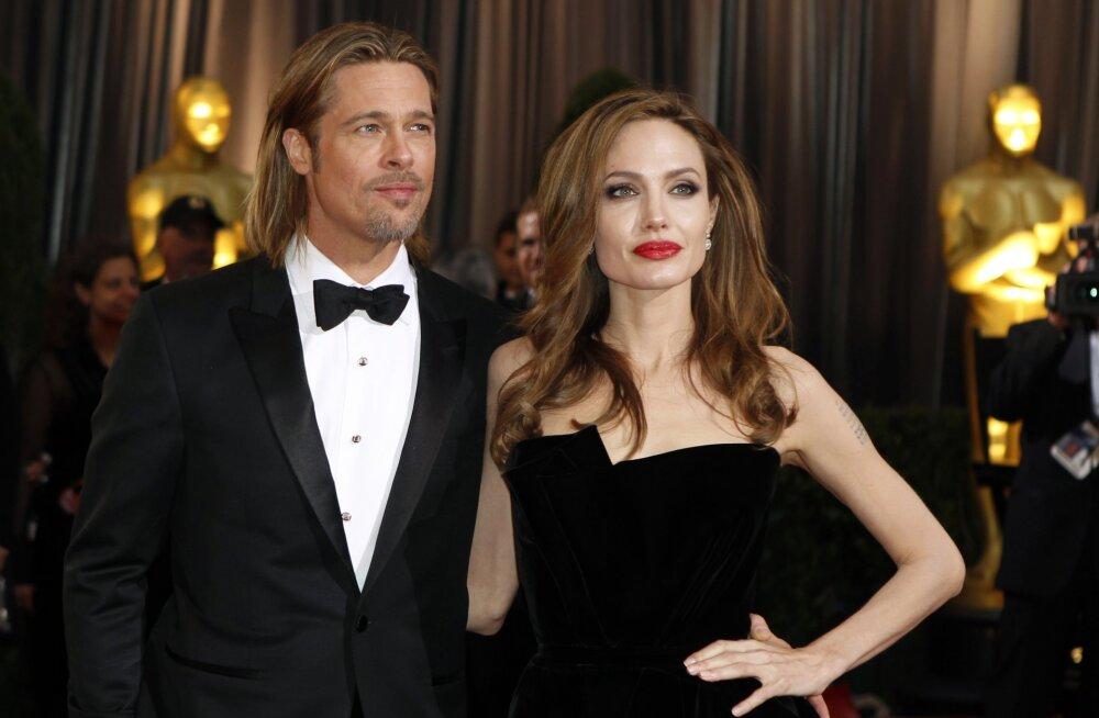 Loe, kuidas Angelina Jolie oma lastel internetis silma peal hoiab!