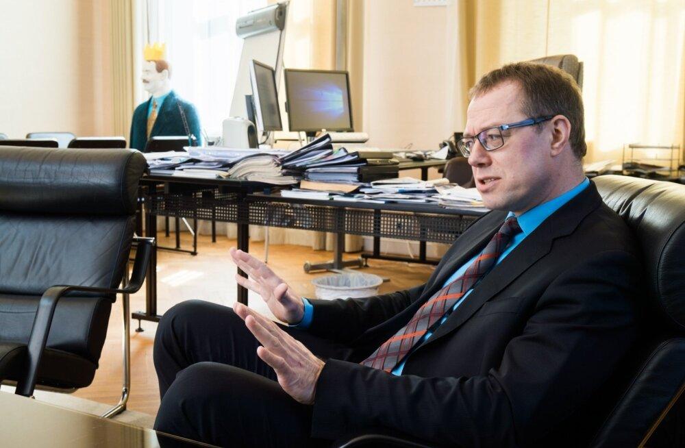 Eesti Panga asepresident Ülo Kaasik soovitab: ärge tehke otsuseid kiirustades, vaid hoolikalt analüüsides.