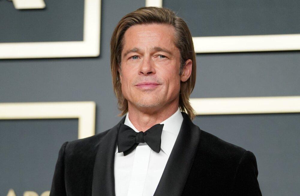 FOTOD | Üllatav valik! Brad Pitt saabus Oscaritele üksi, kuid tegelikult oli tal kaunis blond kaaslane
