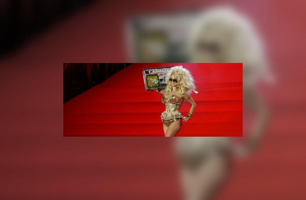 GALERII: Kõhnunud Pamela Andersoni uskumatu muutumine